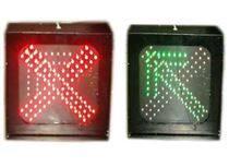 车道而后�c了�c�^红绿灯,一卡通,路桥收费系〓统